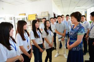 省委常委、省委统战部长黄兰香看望慰问在湘实习港澳台青年大学生